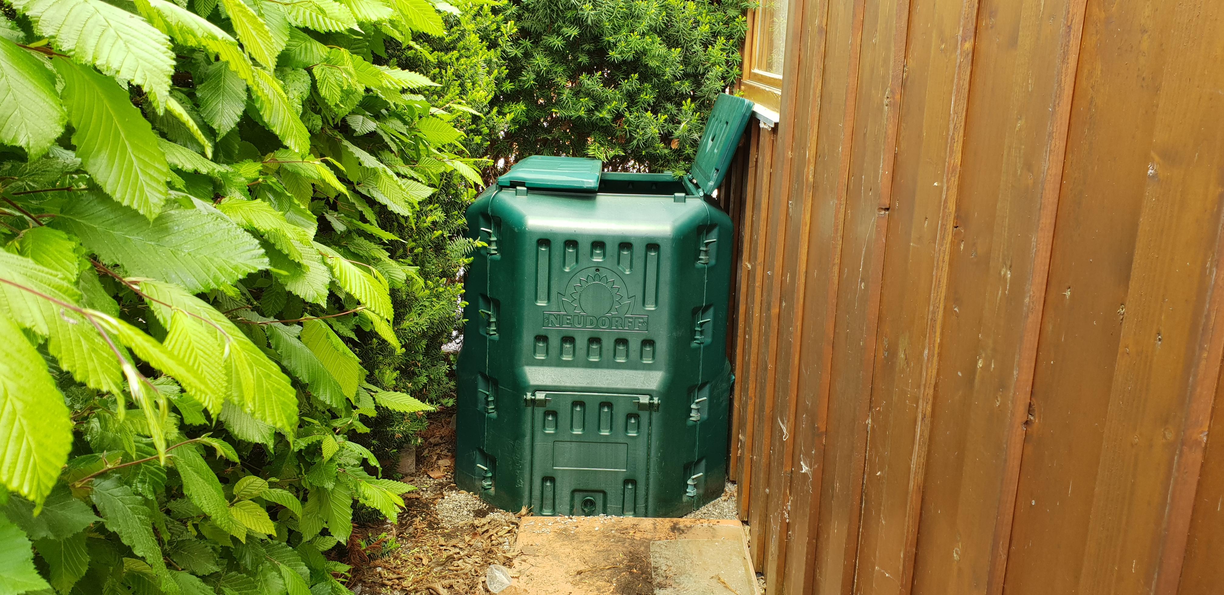 Einen neuen komposter anlegen sophies garten for Neuen garten anlegen